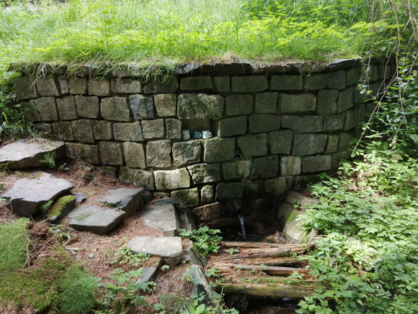 Macova studna